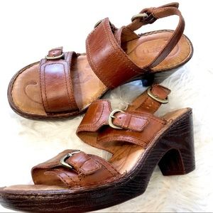 Born platform shoe Sz 7 Sandal leather heels